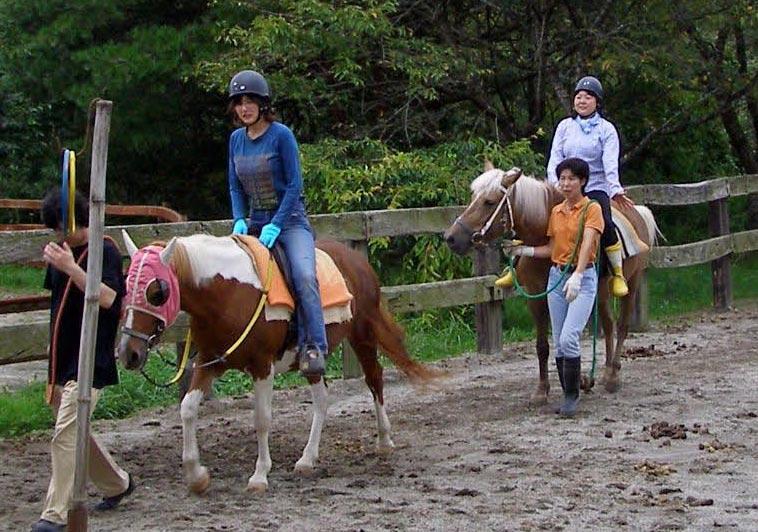 角居勝彦調教師、JRAジョッキー、五輪代表選手らが障害者乗馬の魅力伝える/第4回サンクスホースデイズ