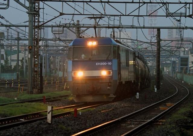 EH200-10 4077レ