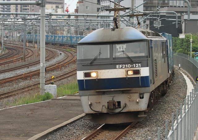 EF210-121 4055レ