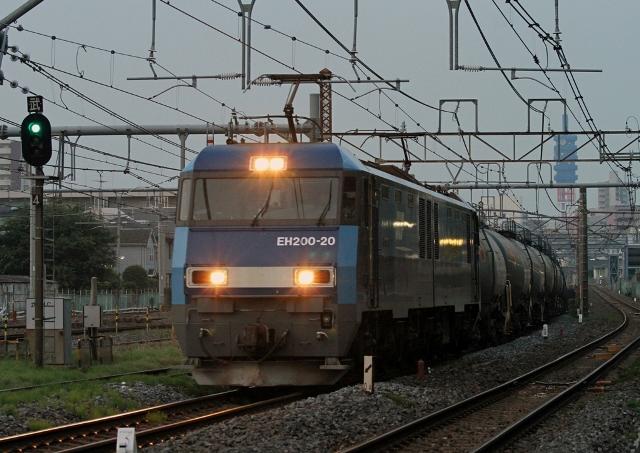 EH200-20 4077レ