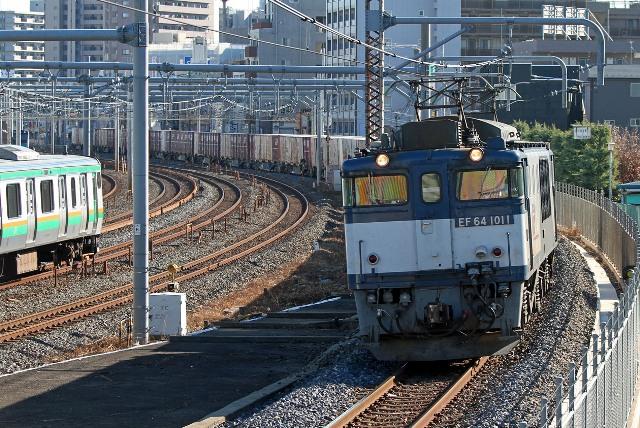EF64-1011 歩道橋