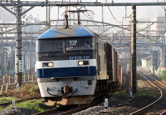 EF210-131 3099レ (1)