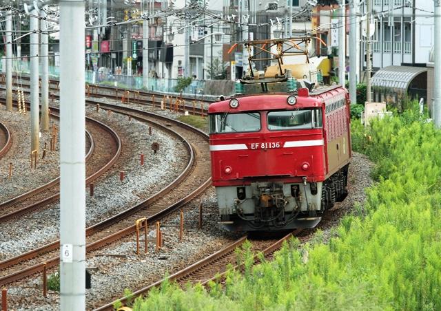 EF81-136.jpg