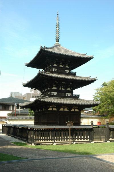 現在の興福寺三重塔