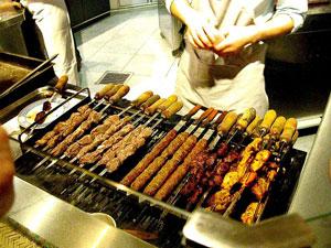 アフガニスタン料理店のカバ