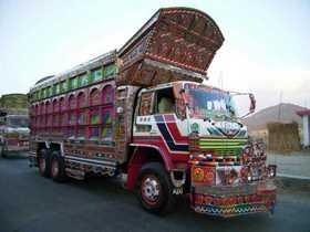 パキスタンのデコトラ