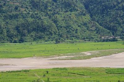 トリスリ川