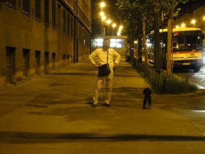 プラハ犬ホテル前縮小