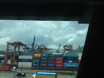 港とコンテナ
