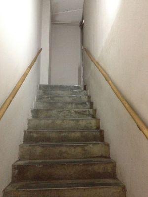 昔ながらの階段