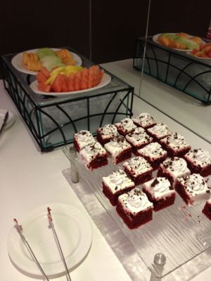 ケーキにフルーツ