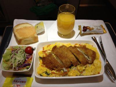 機内食の全景