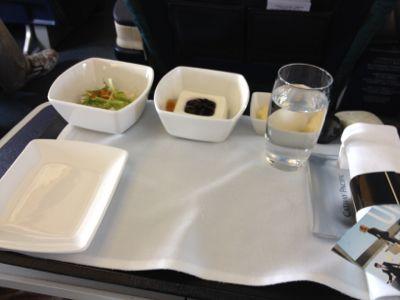 機内食の準備