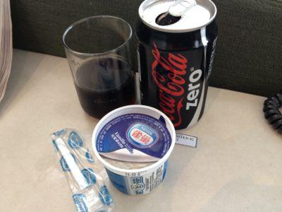 コーラとネスレのアイスクリーム