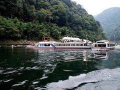 瀞峡ウォータージェット船