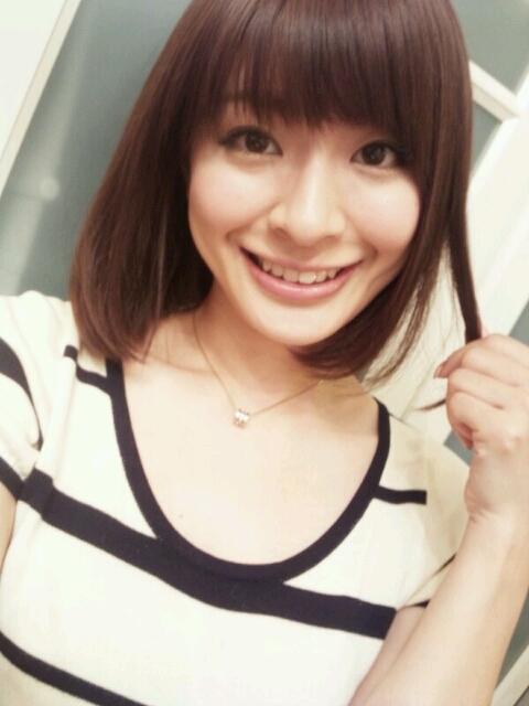 八田亜矢子 セクシー 顔アップ 笑顔サラサラヘア エロかわいい画像