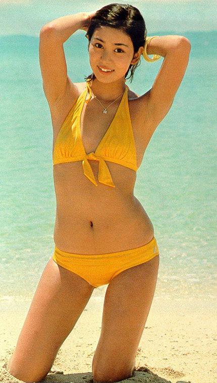 片平なぎさ セクシー ビキニ水着 脇 70年代アイドル サスペンスの女王 エロかわいい画像