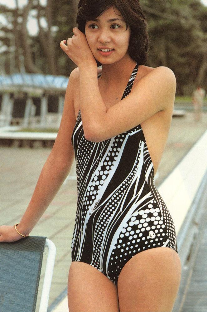 片平なぎさ セクシー ワンピース水着 70年代アイドル 太もも サスペンスの女王 高画質 エロかわいい画像3
