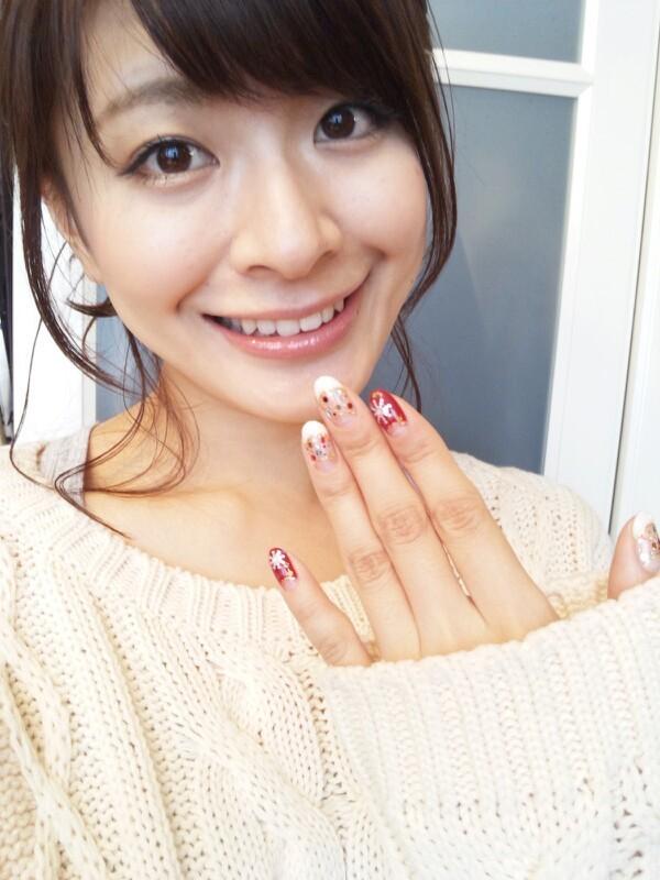 八田亜矢子 セクシー鎖骨 顔アップ 笑顔 アヒル口 ネイル エロかわいい画像