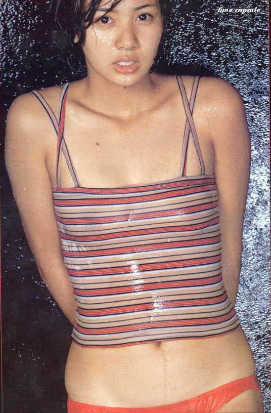 片平なぎさ セクシー 水着 カメラ目線 濡れている 70年代アイドル ショートヘア エロかわいい画像