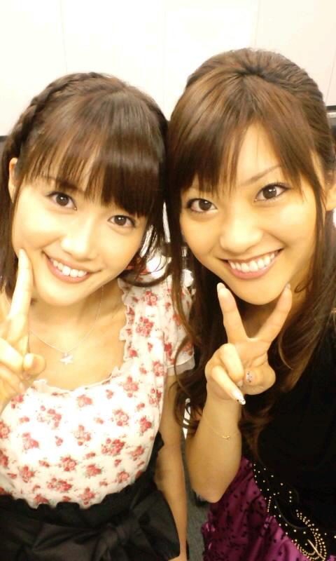 大澤亜季子 山岸舞彩 セクシー顔アップ ピース 笑顔 エロかわいい画像