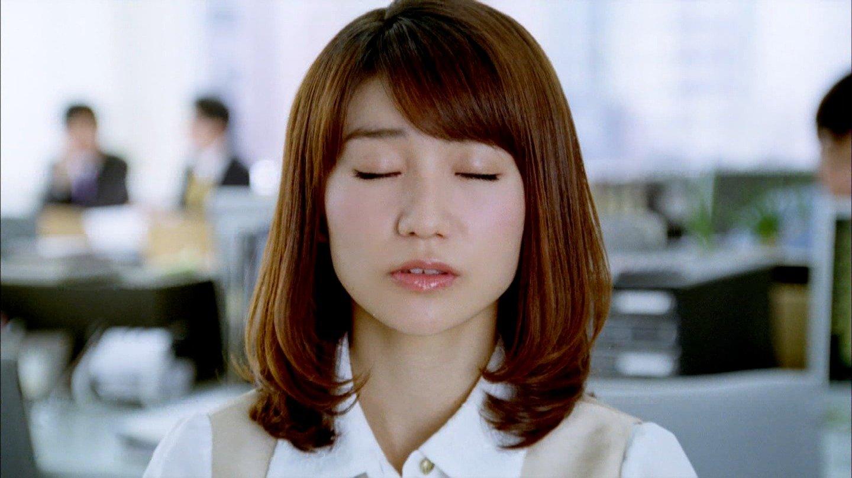 AKB48 大島優子 キスする前の顔(高画質) ワンダCM セクシーOLコスプレ 顔アップ 唇 エロかわいい画像