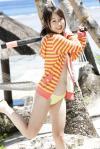 AKB48 小林香菜 セクシー ローレグビキニ水着 カメラ目線 バット 下半身露出 太もも 高画質 エロかわいい画像3