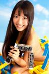 AKB48 北原里英 セクシー ビキニ水着 顔アップ カメラ目線 電車握り 擬似手コキ 高画質エロかわいい画像8