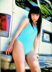 小倉優子ゆうこりん セクシー 水色ハイレグ水着 太もも カメラ目線 股間食い込み 高画質エロかわいい画像12