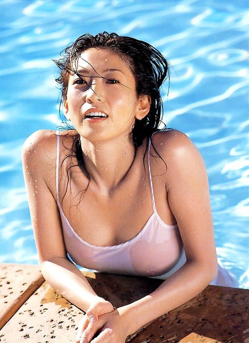 シェイプアップガールズ 中島史恵 セクシー おっぱい透け乳首 水滴 口開け エロかわいい画像