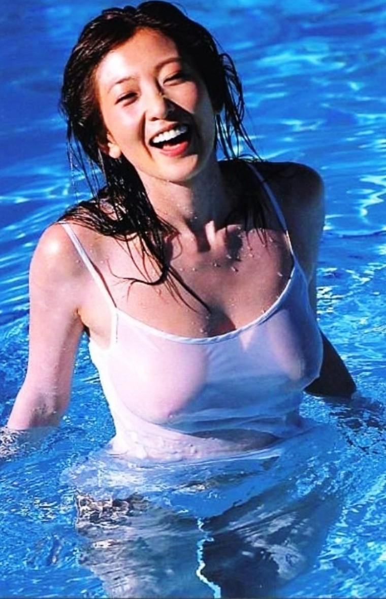 シェイプアップガールズ 中島史恵 セクシー 透け乳首ヌード 巨乳 笑顔 90年代 エロかわいい画像4