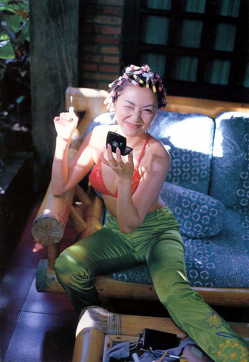 シェイプアップガールズ 梶原真弓 セクシー 局部 食い込み ウィンク ぶっかけ用 マンスジ 笑顔 90年代 エロかわいい画像3