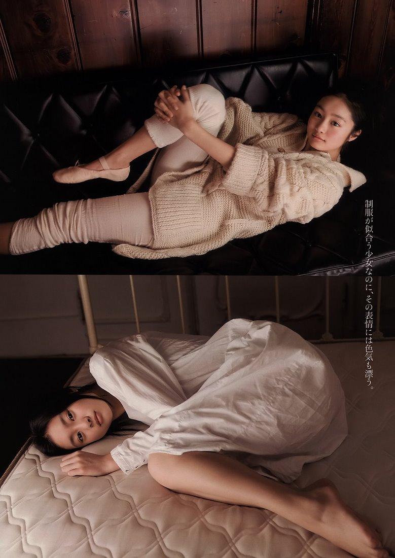 忽那汐里(くつなしおり)セクシー ポーズ 片足上げ 寝ている エロかわいい画像1