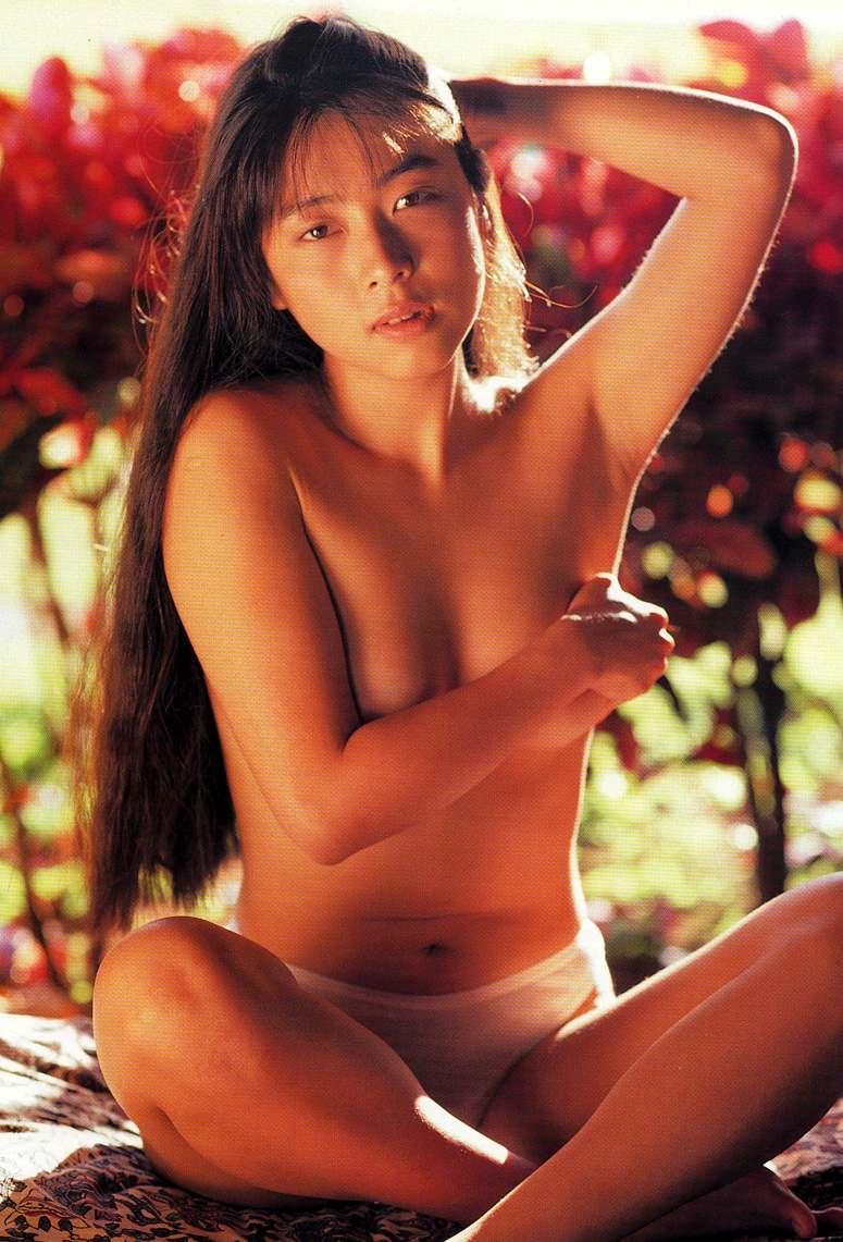 ZARD 坂井泉水 おっぱい 手ブラ 谷間 下乳 脇 下着 パンティ エロかわいい画像
