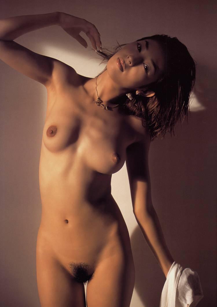 小松千春 セクシー おっぱい ヌード 乳首 脇 陰毛 太もも 全裸 エロかわいい画像3