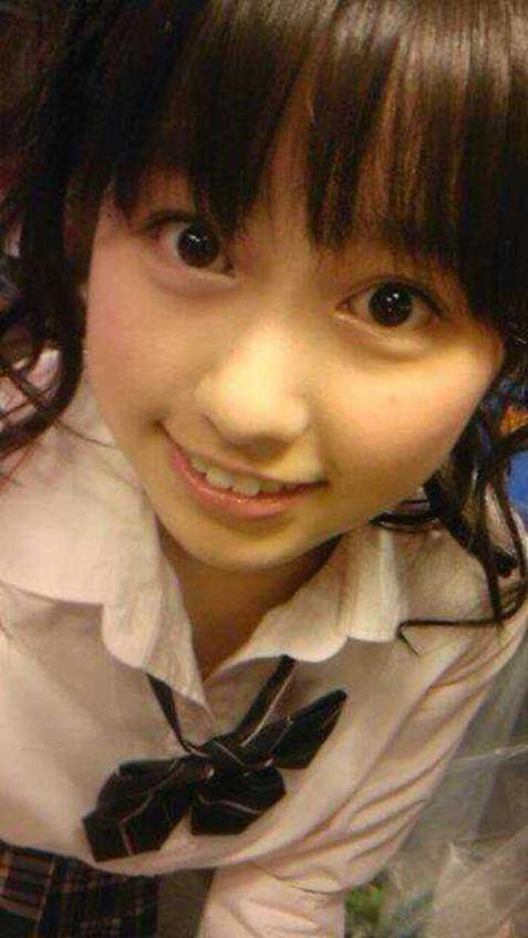 ももクロピンク 佐々木彩夏(あーりん) セクシー 笑顔 顔アップ 上目遣い 唇 歯 エロかわいい画像13