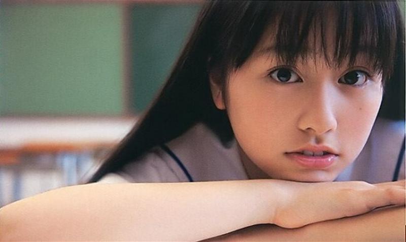 ももクロピンク 佐々木彩夏(あーりん) セクシー 顔アップ 学校制服 視線 唇 エロかわいい画像20
