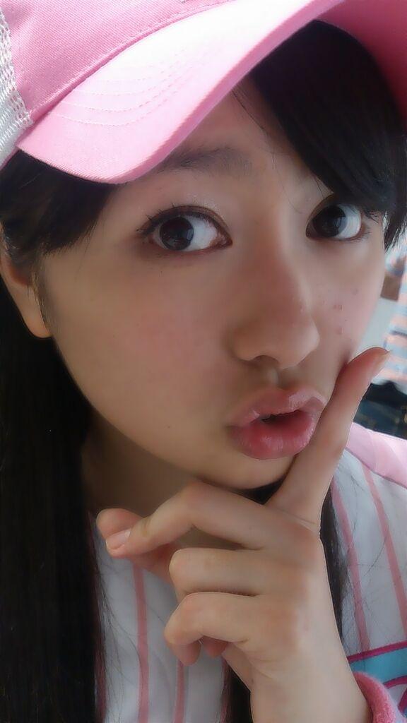 ももクロピンク 佐々木彩夏(あーりん) 誕生日ケーキ セクシー 顔アップ 唇 キス顔 視線 顔射用 エロかわいい画像23
