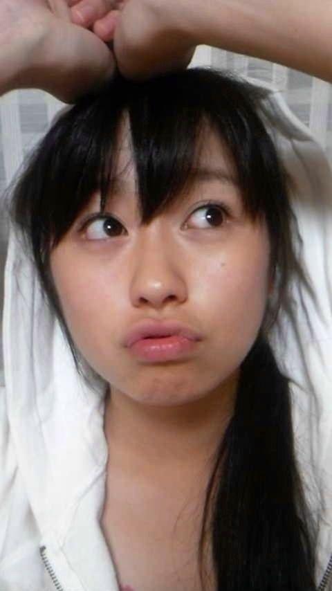 ももクロピンク 佐々木彩夏(あーりん) セクシー アヒル口 顔アップ 唇 キス顔 エロかわいい画像16