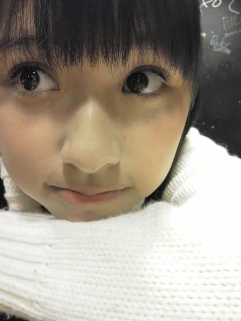 ももクロ黄色 玉井詩織(たまいしおり) セクシー 顔アップ 唇 目 鼻 エロかわいい画像4