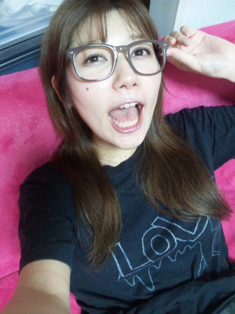 小田ゆかり セクシー アラレちゃんメガネ 口開け 舌 顔アップ 顔射用 エロかわいい画像2