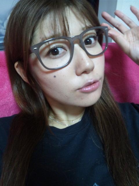 小田ゆかり セクシー アラレちゃんメガネ 唇 顔アップ 顔射用 エロかわいい画像3