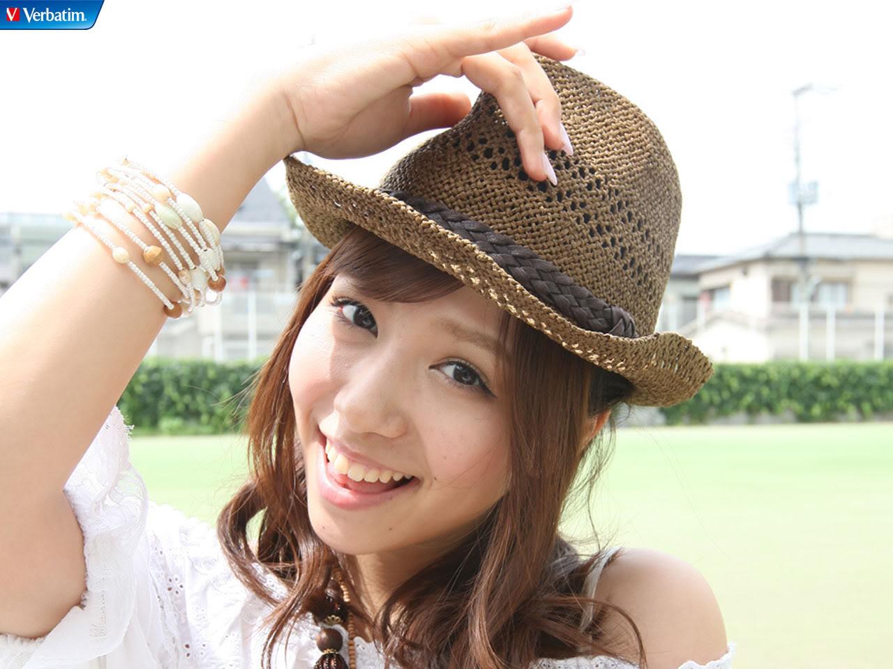 AKB48 河西智美 セクシー 顔アップ 口開け 笑顔 舌 カメラ目線 ぶっかけ用 帽子 肩出し 高画質 エロかわいい画像