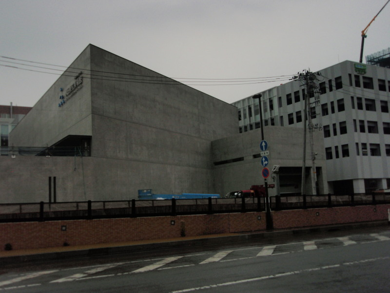 P1010386 新県立美術館(5月)