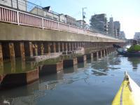 レンガ造りの桟橋跡