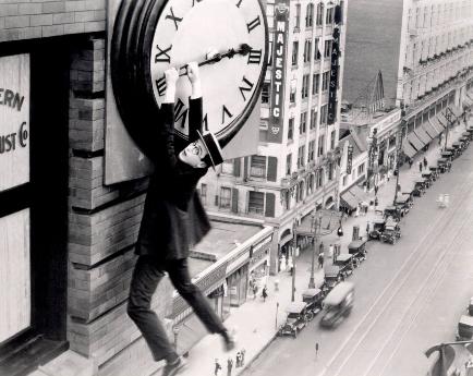 ロイドの有名な時計台のシーン