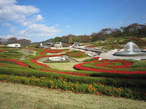 「彩のひろば」の大花壇