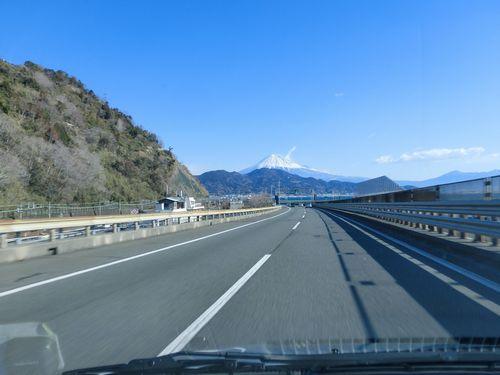 車窓からの富士山1