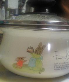 お鍋の兎の絵
