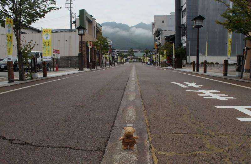飛騨古川駅前への道で